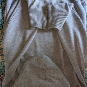 American Eagle Outfitters Sweaters - American Eagle hooded sweatshirt